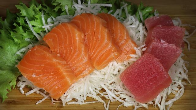 sashimi-iz-lososja-i-tunca-1997ebf