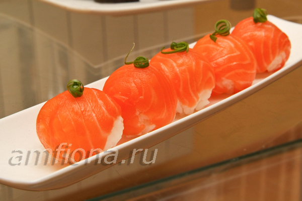 temari-sushi-s-lososem-e6f1921