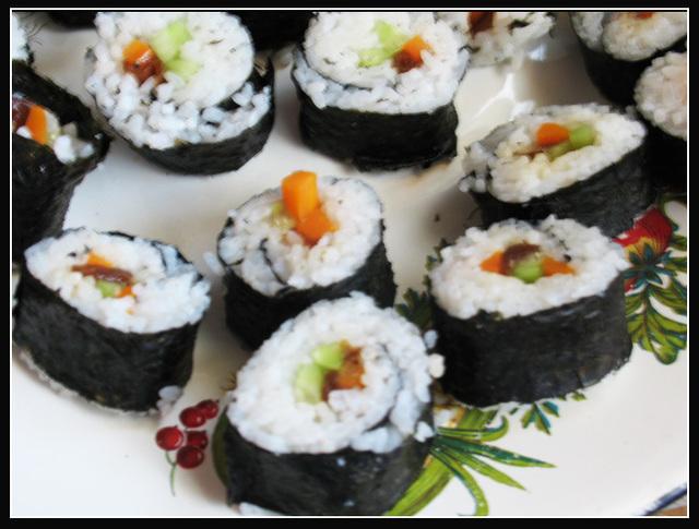 vegetarianskie-sushi-maki-1313778