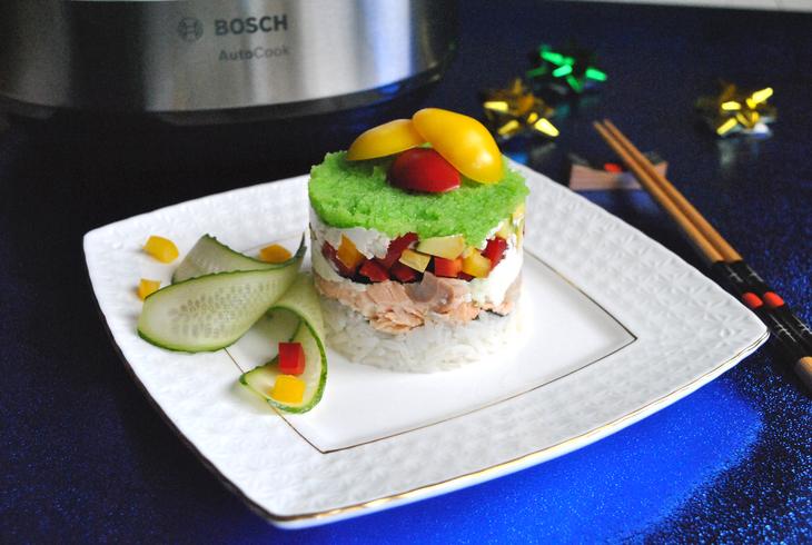 zakusochnyj-sushi-tort-s-syrnym-kremom-126396e