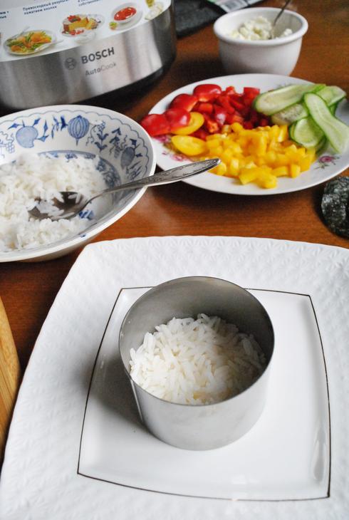 zakusochnyj-sushi-tort-s-syrnym-kremom-beb7d4d