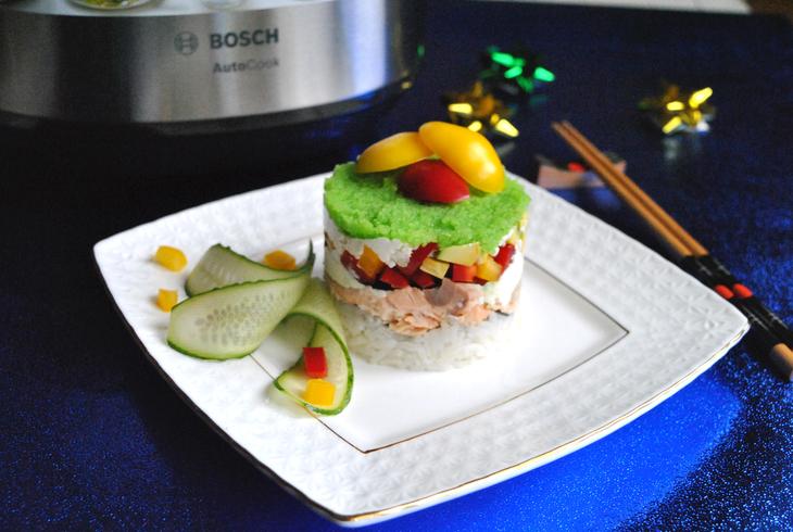 zakusochnyj-sushi-tort-s-syrnym-kremom-f307737
