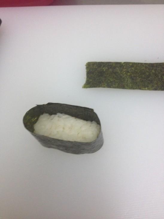 zapechenye-sushi-s-lososem-i-ostroj-krevetkoj-77b87ba